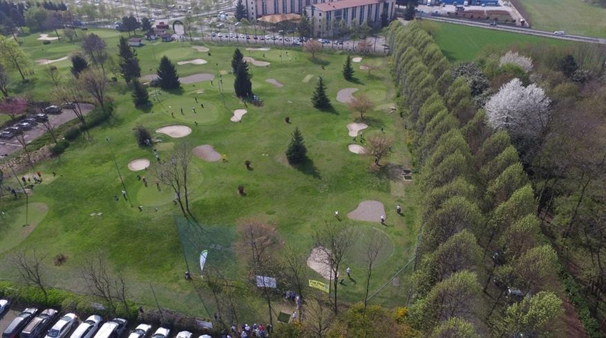 erba-sintetica-golf-le-robine-1