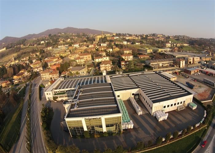 Sede centrale di Italgreen, produttore di erba sintetica dal 1980