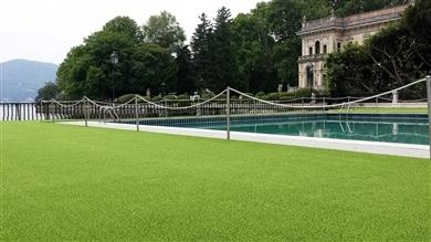rs erba sintetica bordo piscina
